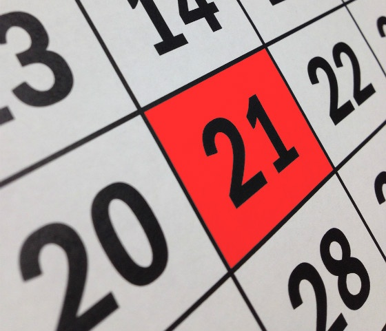 Calendar with 21 April marked.