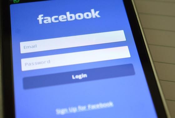 Facebook mobile app.