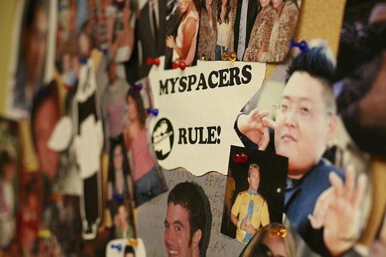 A notice board with the message 'Myspacers rule!'.
