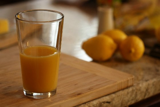 orange juice in glass