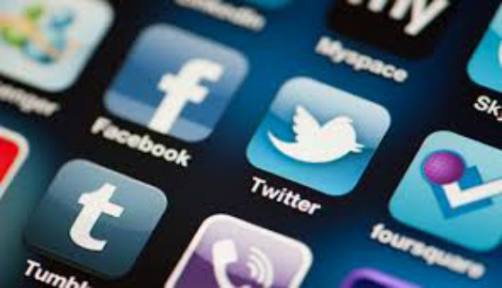 Social Media News Roundup: Young People Ignoring Social Media Age Limits